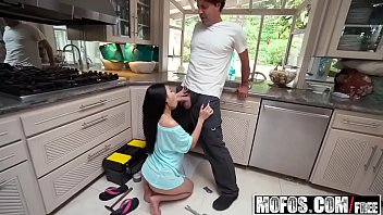 Mofos - Dont Break Me - (Cindy Starfall) - Petite Asian Stuffed