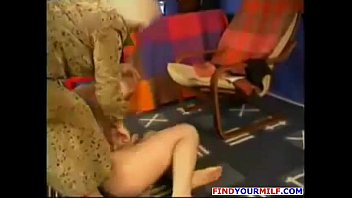 russian fledgling mommy goes kinky 02