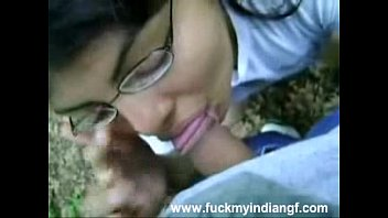 Juicy Indian Teen Sucking Big Cock In Public Park Recorded On Mobile