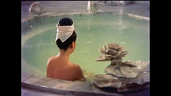 The Imperial Consort Yang has a bath in a lotus pool