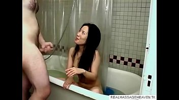 85 Asian lady bath-Get CAMS of girls like this on REALMASSAGEHEAVEN.TK