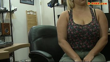 Big butt amateur blonde whore pawns her twat and fucked