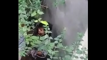 Nepali couple in bushes (for full video https://nepalianddesisex.blogspot.com)