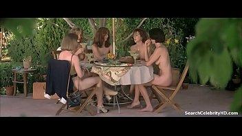 Kim Cattrall Cynthia Stevenson Lora Zane Laila Robins in Live Nude Girls 1995